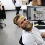 Gesundes Arbeiten im Büro: PC-Arbeitsplatz ergonomisch einrichten